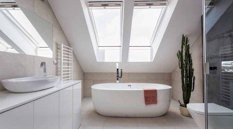 Comment aménager une salle de bain sous les combles ...