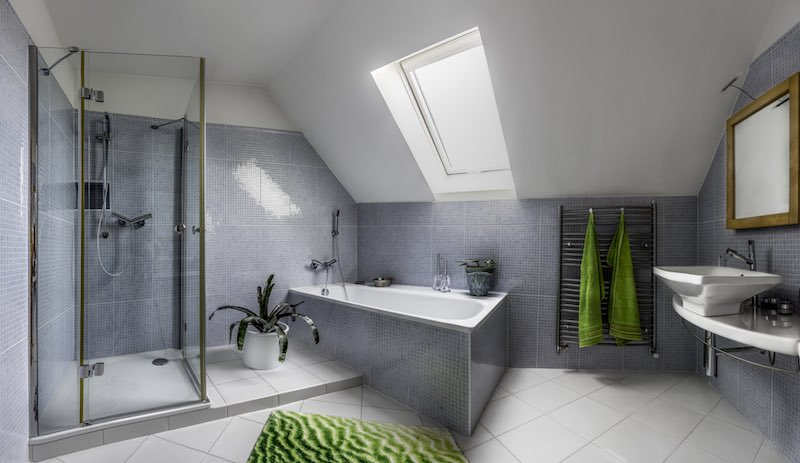 Comment Aménager Une Salle De Bain Sous Les Combles Outillage De - Salle de bain dans combles