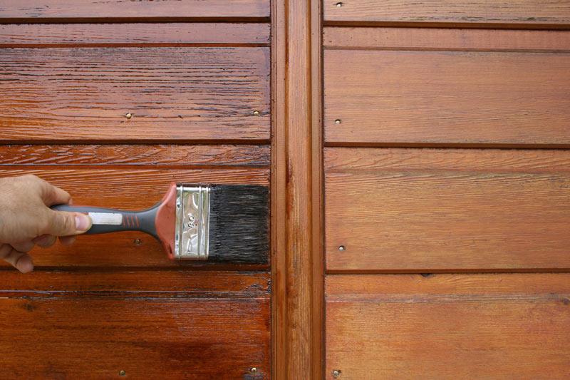 3 considérations pour l'entretien de fenêtres et portes en bois