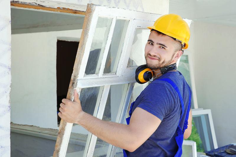 Protéger fenêtre en bois contre intempéries