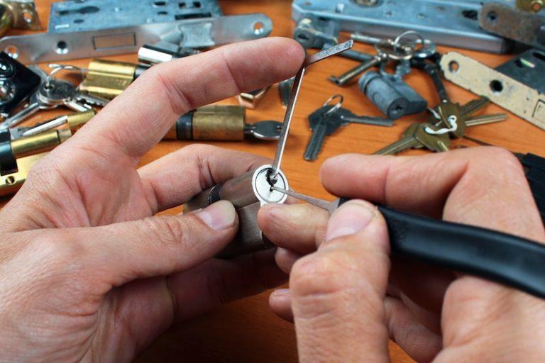 Quels sont les différents outils d'un serrurier ?