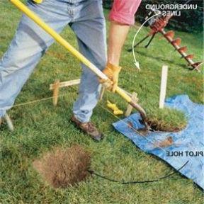 comment creuser un trou avec une tarière, étape 1 : Faire un trou de la largeur de la tarière