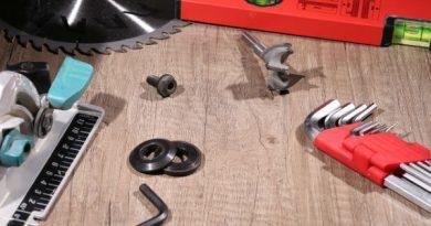 outils-electroportatifs-terrasse-en-bois