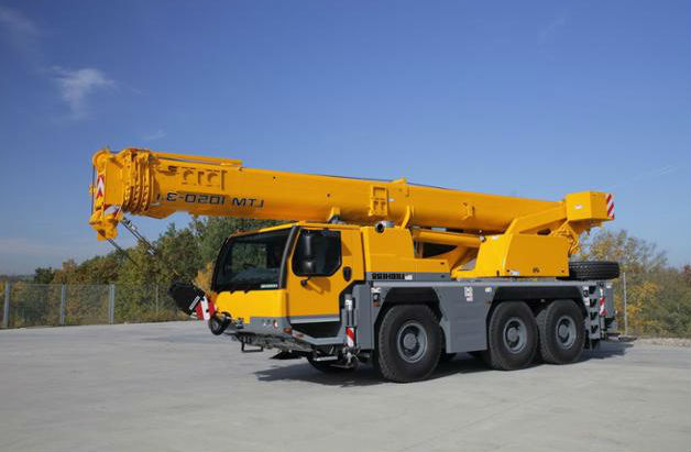 grue mobile de 50 tonnes